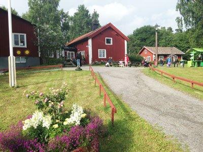 Husby gård och parkteatern