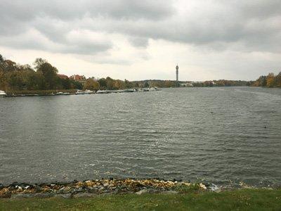 Djurgårdsbrunnsviken utsikt över Kaknästornet