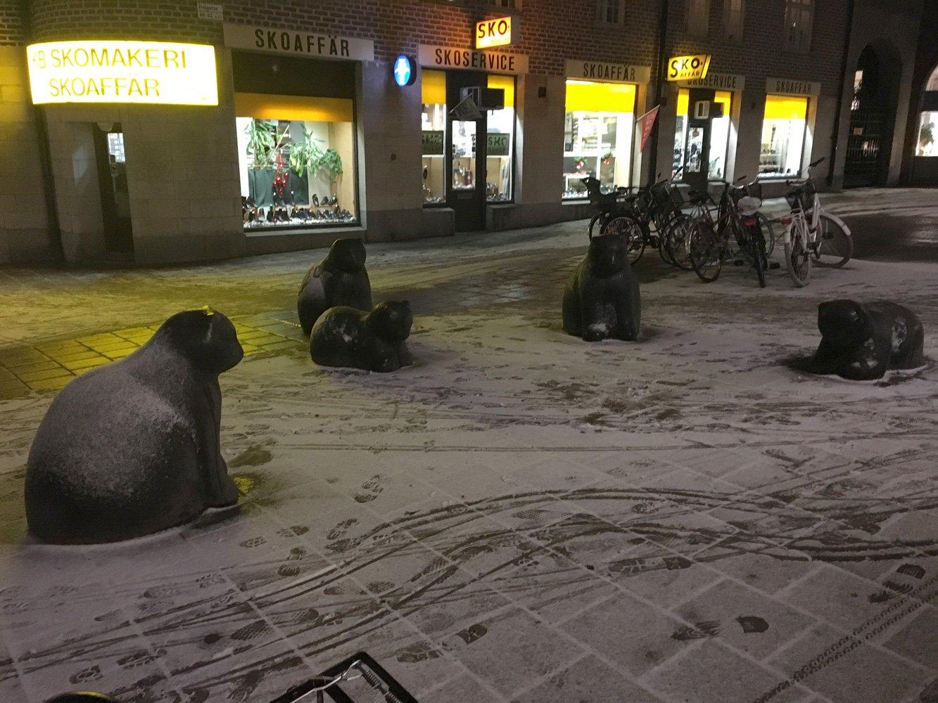 Katter, okänd skulptör
