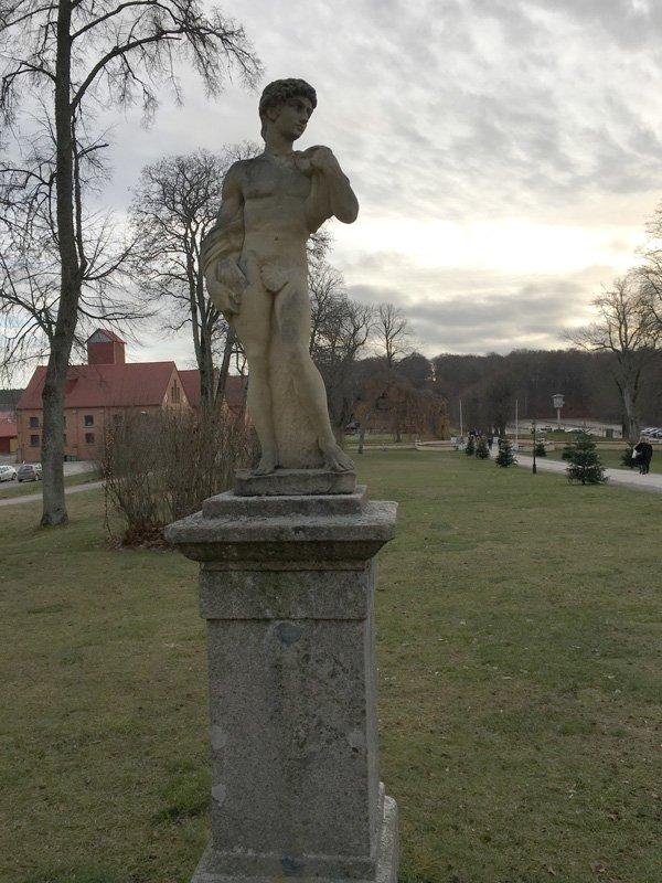 Namnlös staty, Taxinge Slott