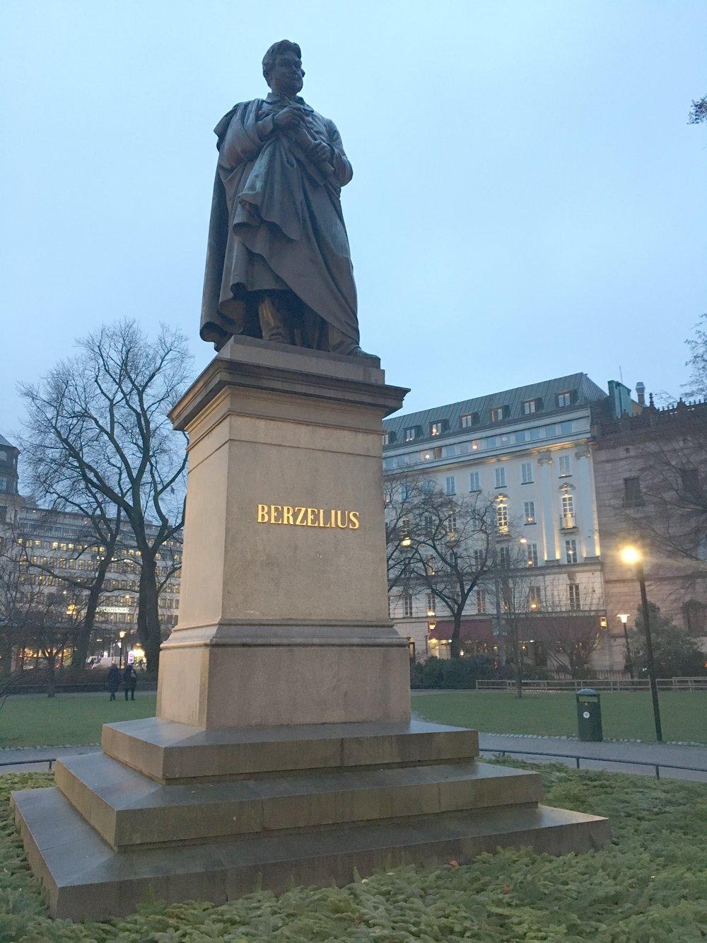 Berzeilus statyn, Carl G Qvarnström, Berzeliusparken