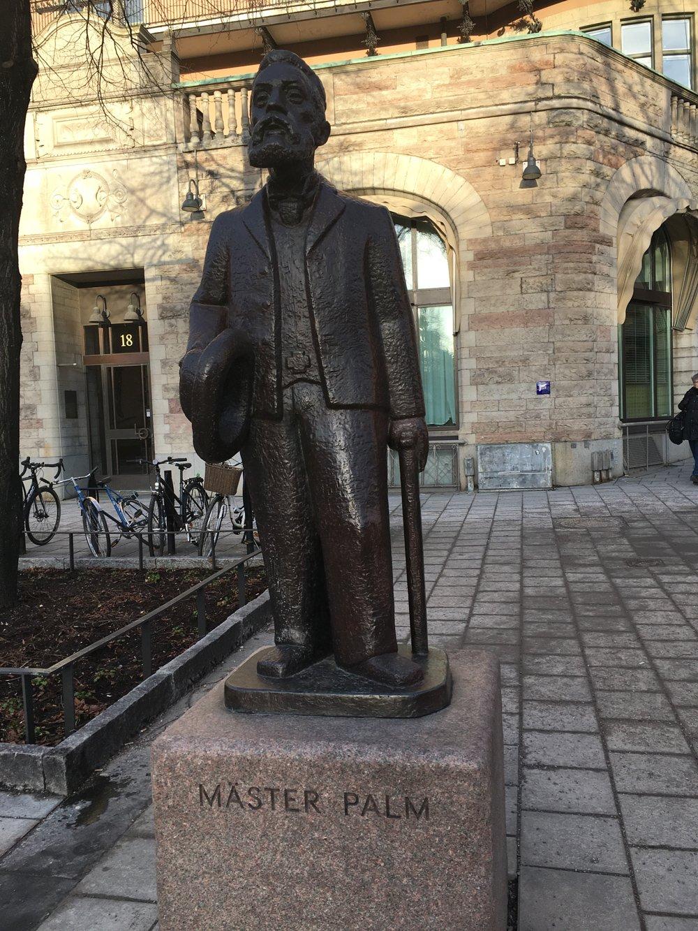 Mäster Palm, Ture Johansson, staty Norrmalm