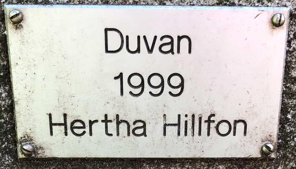 Duvan, Hertha Hillfon, Grubbensparken, Kungsholmen