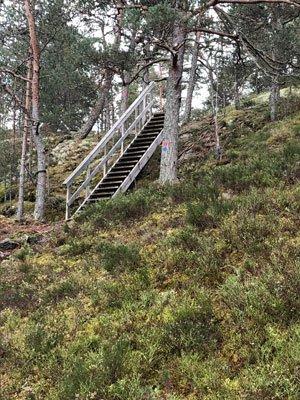 Stora Gålöslingan har många stigningar till utsikter.