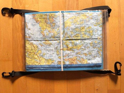 Navigera på sjön. Navigera i kajak. Karta och kompass