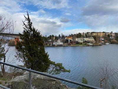 Utsikt över Kärsön på Strandpromenaden mellan Alvik och Nockeby