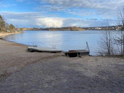 Utsikt från Strandpromenaden mellan Alvik och Nockeby badstrand.