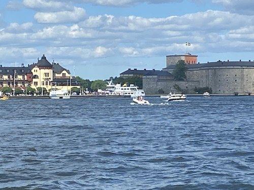 Vaxholm castellet från färjan.