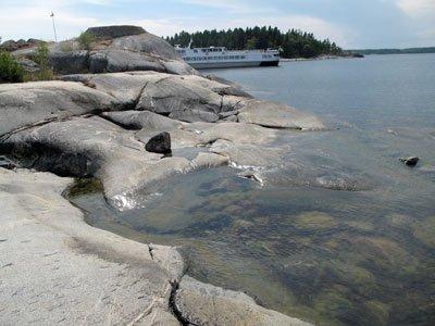 Klippbad i skärgården Arholma nord