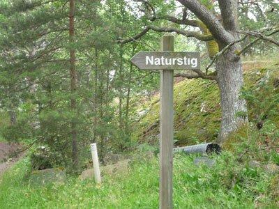 Naturstig att prommenera på i Finnhamn.