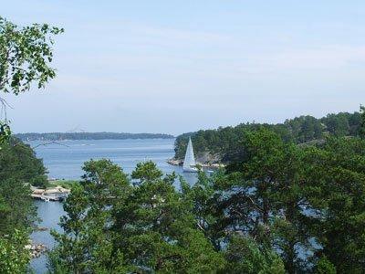 Utsikten från Vandrarhemmet utsikten på Finnhamn. Man kan förstå varför det heter utsikten!